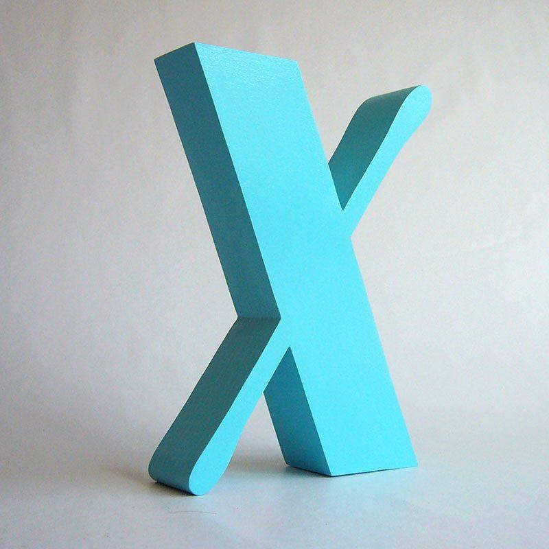 letra de madera x azul turquesa