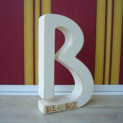 letra b con beatriz relieve
