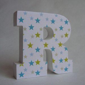 r-decorada-con-estrellas