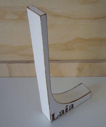 laia-blanca-madera-blanca