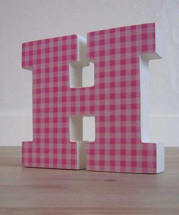h-con cuadritos-rosas