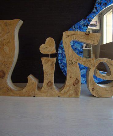 elegante life hecho en madera vintage