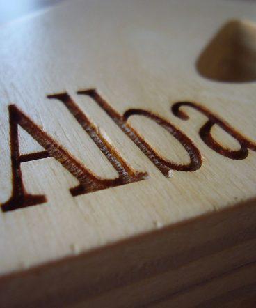 alba-grabado-en-madera