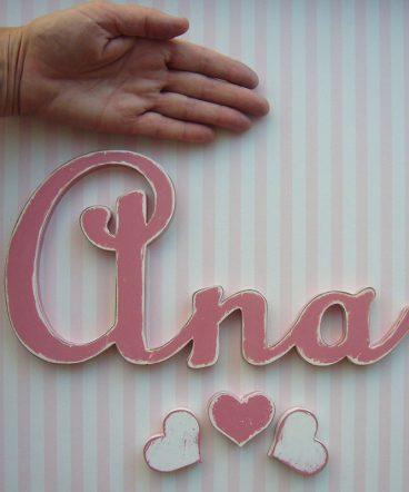 nombre ana de madera en rosa vintage