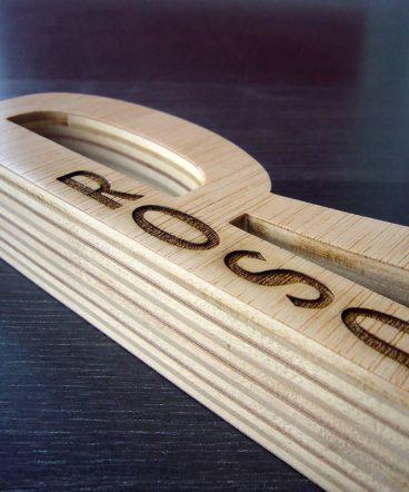 letra r de madera persoanlizada