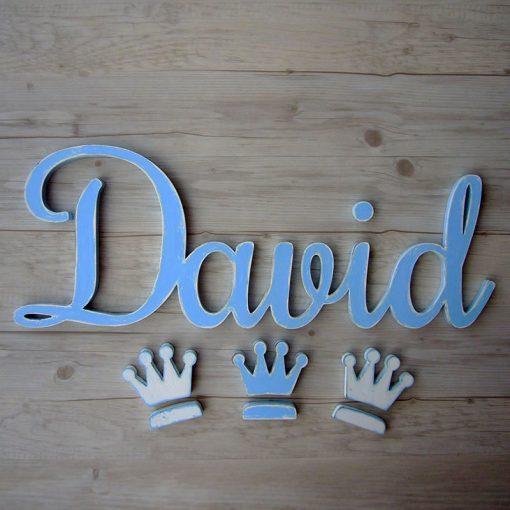 nombre de madera david en celeste