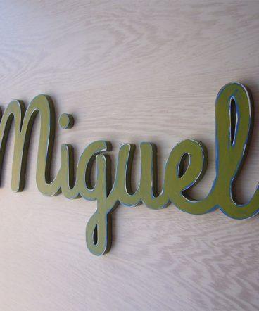 miguel nombre decorado en verde vintage