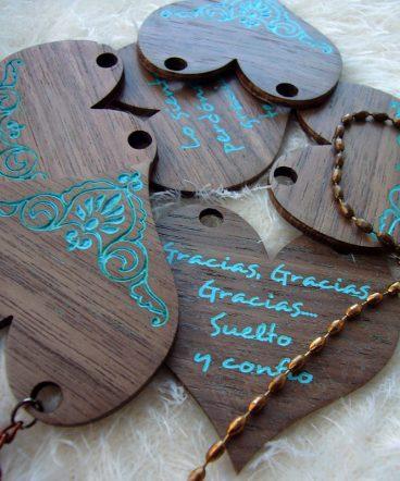 corazones nogal madera oscura