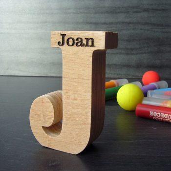 joan-madera-88-350x350 LETRAS DE MADERA PERSONALIZADAS Y TOTALMENTE ARTESANALES