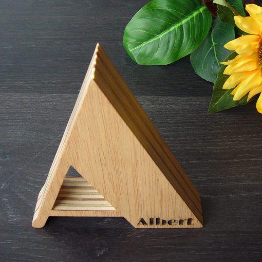 letra a de madera con personalizacion