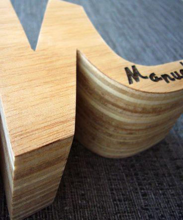 letra m de madera personalizada