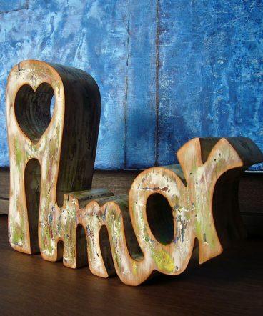 palabra amor de madera estilo vintage