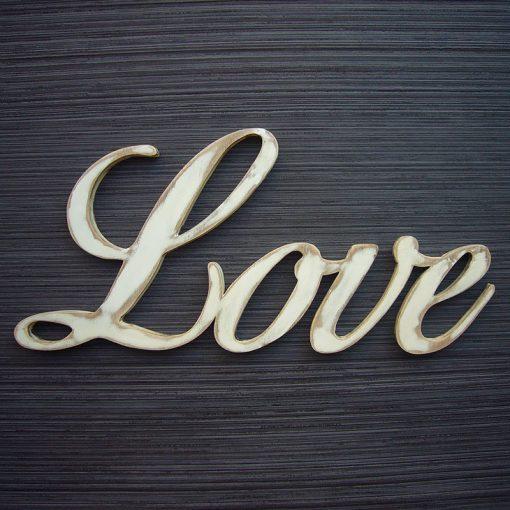 love en madera pintado en blanco desgastado