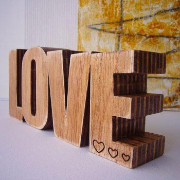 love-madera-corazon-80-350x350 LETRAS DE MADERA PERSONALIZADAS Y TOTALMENTE ARTESANALES
