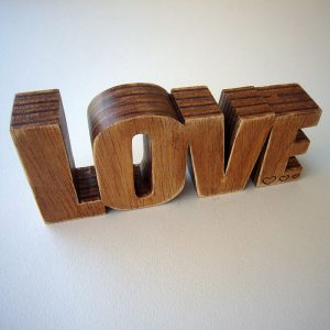 love-madera-corazon-82