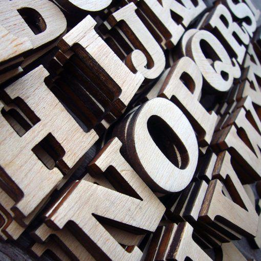 abecedario de madera personalizado