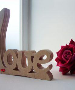 love artesano de madera con conrazoncitos