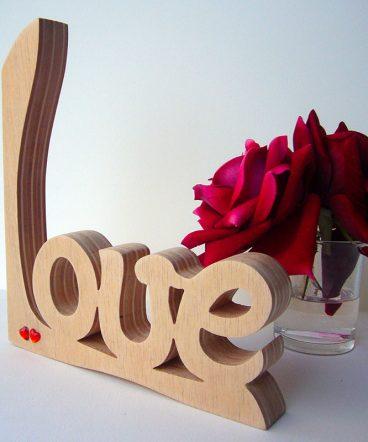 love artesano en madera natural de pino