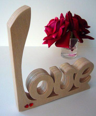 love artesano decorado con corazoncitos