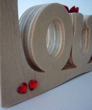 love artesano de madera natural