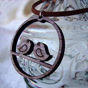 collar-de-madera Colgantes, corazones y llaveros exclusivos Uncategorized