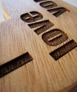 corazones hechos de madera para personalizacion