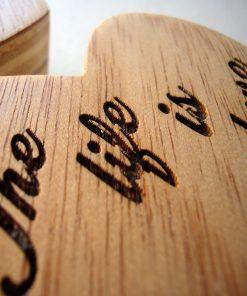 corazones grabados de madera con personalizacion