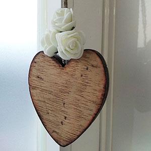 corazon-madera-artesano Colgantes, corazones y llaveros exclusivos Uncategorized