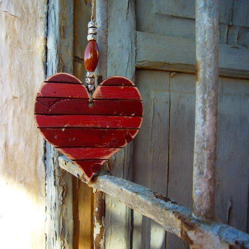 corazones vintage en tonos rojos