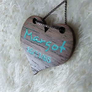 corazon-nogal-personalizado Colgantes, corazones y llaveros exclusivos Uncategorized