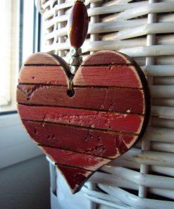 corazones vintage de madera