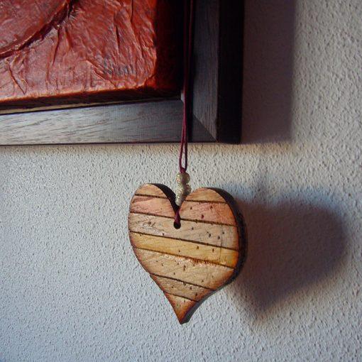 corazones envejecidos hechos a mano de madera