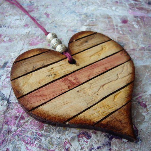 corazones envejecidos artesanos de madera reciclada