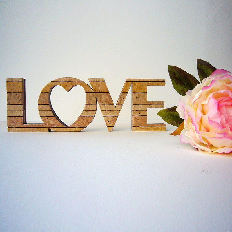 love retro de madera para decoracion del hogar