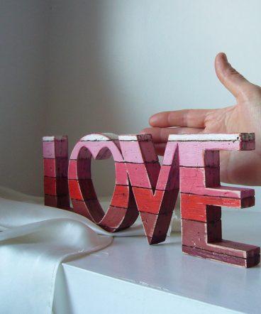 love rojo decorativo original de madera