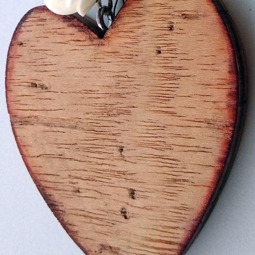 corazones de madera detalle