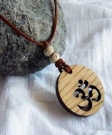 colgante collar de madera chakra corona