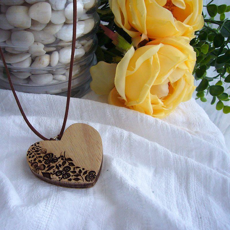 corazones colgante de madera decorativos para el hogar