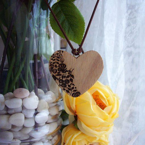 corazones colgante de madera para decorar el hogar