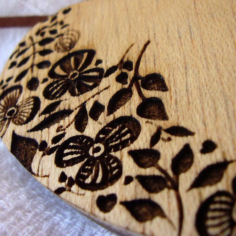 corazones colgante de madera personalizados con flores