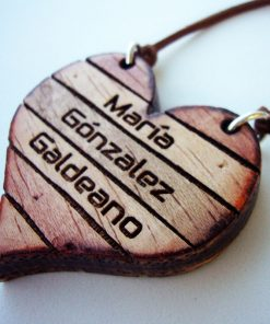 colgante corazón de madera personalizados