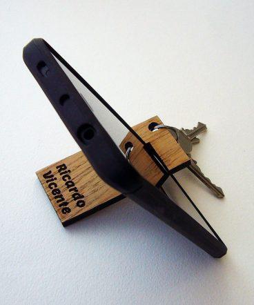 llaveros de madera manos libres personalizado
