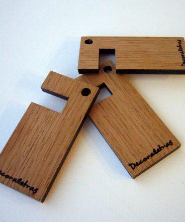 llaveros de madera de roble