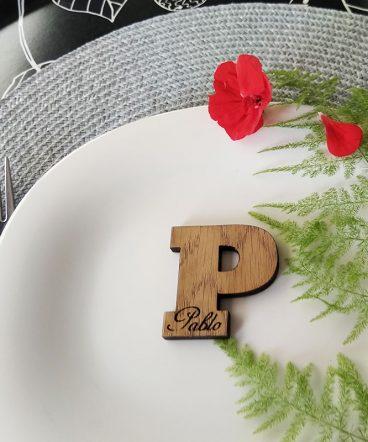 marcasitios de madera personalizados para eventos