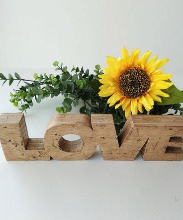 love envejecido con madera reciclada