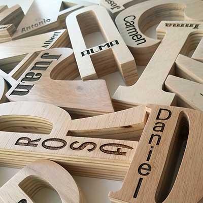 letras-de-madera-grabadas Categoría Letras de Madera