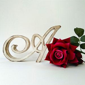 letra-a-con-rosa-roja Galeria