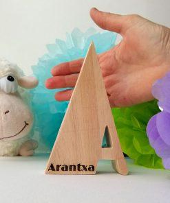 arantxa nombre grabado en madera