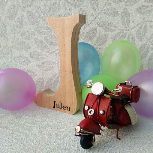 julen grabado en letra j