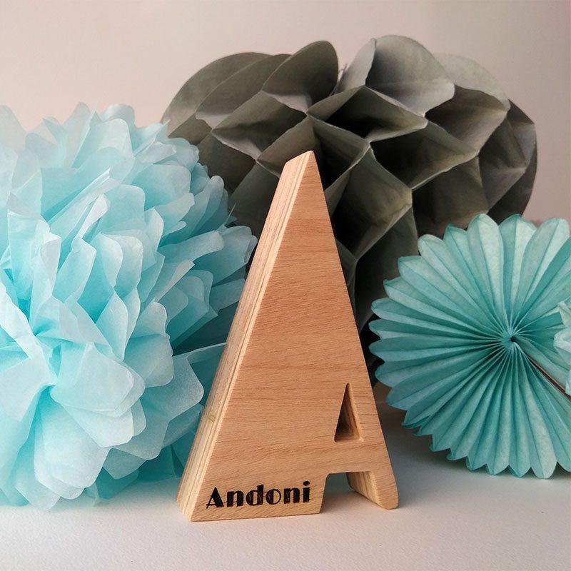 letra aa con el nombre de andoni